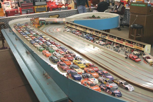 Los Inicios De Un Juego Llamado Scalextric additionally Watch likewise Watch furthermore Behold The Greatest Slot Car Track Of All Time White Lake Forumla One Ring also Pelicanparkspeedway. on 1960 commercial slot car track